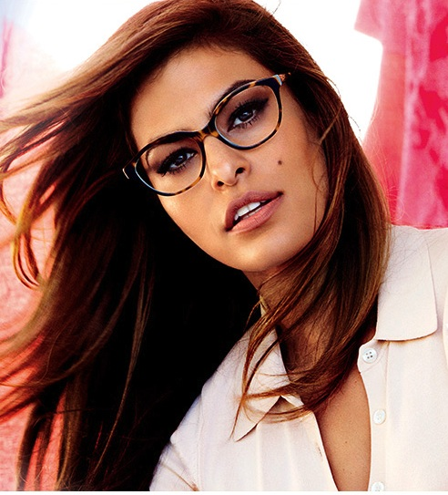 eva-mendes-rocks-the-sexy-secretary-look-in-vogue-glasses-photo-by-mario-testino