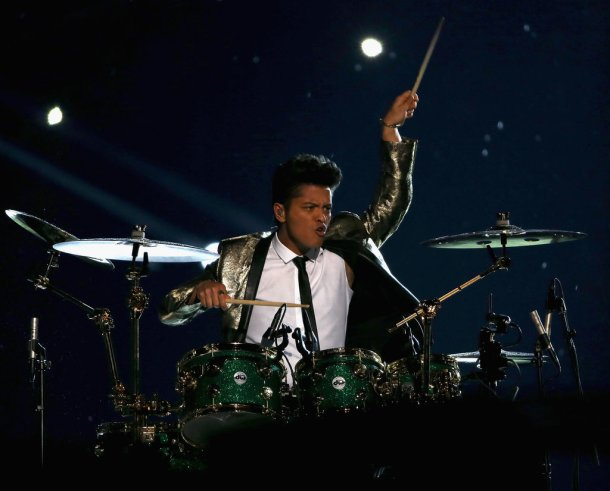 Bruno-Mars-Performs-Super-Bowl-Halftime-Show-Photos-1