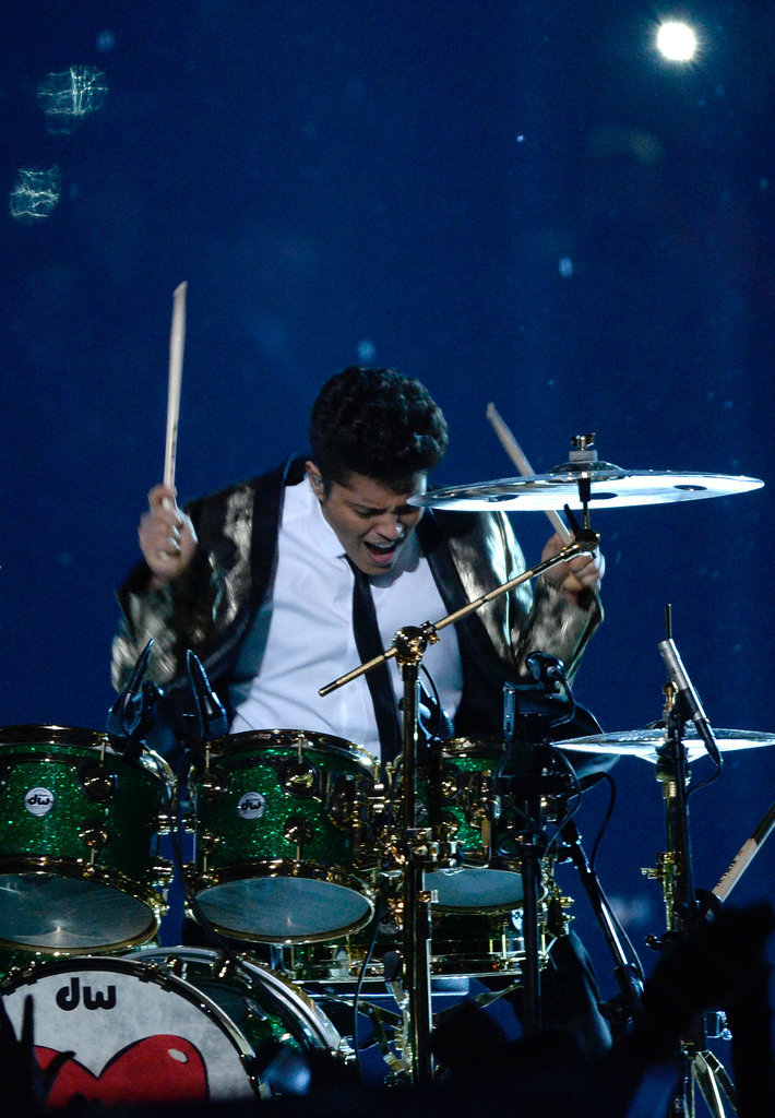 Bruno-Mars-Performs-Super-Bowl-Halftime-Show-Photos-2