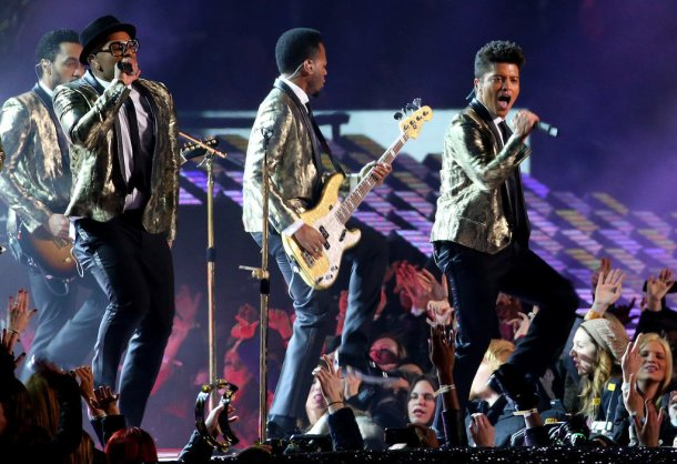 Bruno-Mars-Performs-Super-Bowl-Halftime-Show-Photos