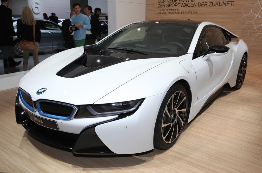 2014-bmw-i8-plug-in-hybrid-front-three-quarter