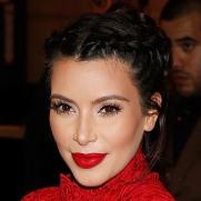 kim-kardashian-pregnant-maternity-wear-red-lace_3