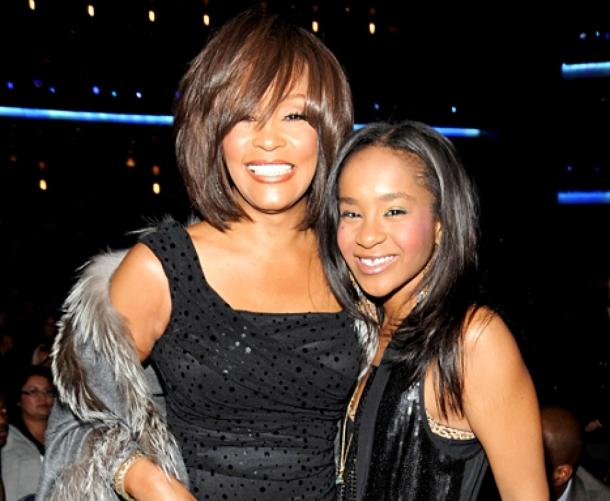 xsYoNiut_1423584446_93309686_whitney_houston_bobbi_kristina_brown_467