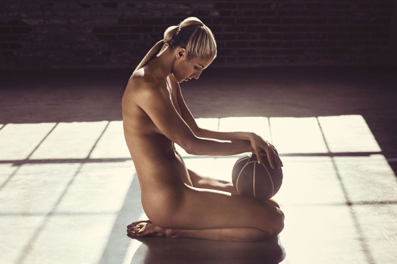 Elena-Delle-Nude-Donne-2016-ESPN-Body-Issue1